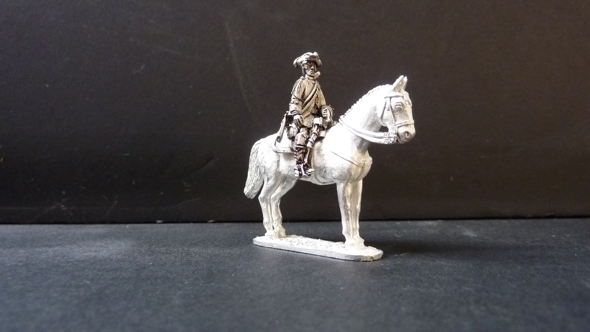 French Dragoons in tricorn.